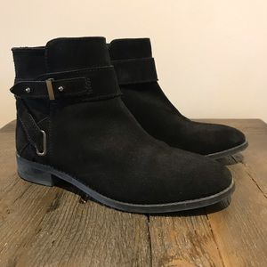 Le chateau suede leather boots